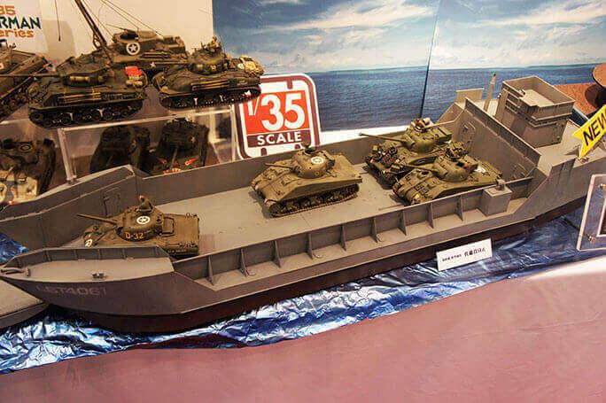 World of Tanks コラボプラモデ...